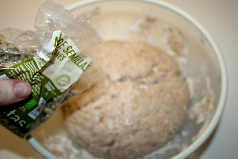 07. Repartir semillas en el pan integral de espelta
