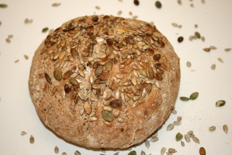 10. bodegon pan integral de espelta