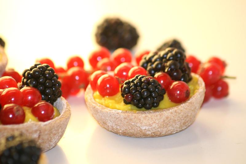 14 Bodegon con las Tartaletas de frutos del bosque en blog de recetas fitness